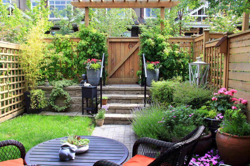 how to reduce traffic noise in my backyard